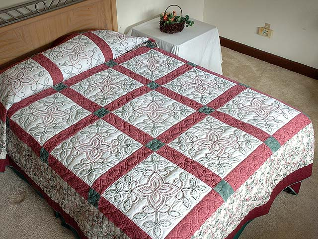 Rose and Green Antique Cross Stitch Quilt Photo 1