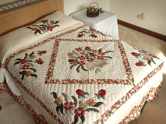 King Brick Red Green and Golden Tan Spring Basket Quilt Photo 1