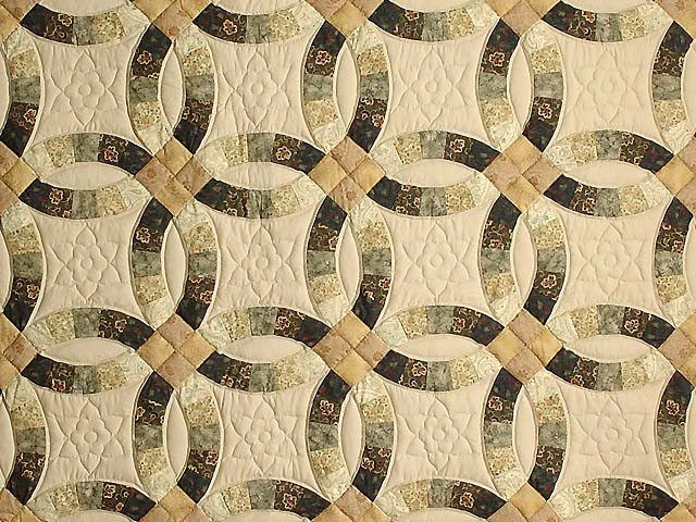 Tan and Earthtones Double Wedding Ring Quilt Photo 3