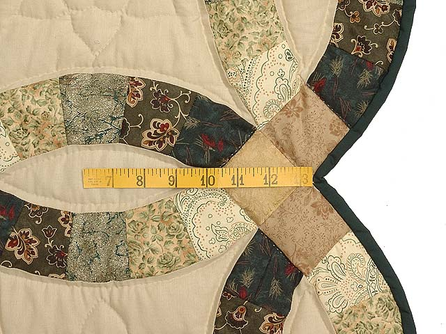 Tan and Earthtones Double Wedding Ring Quilt Photo 6