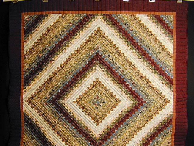 Burgundy and Gold Color Splash Quilt Photo 2