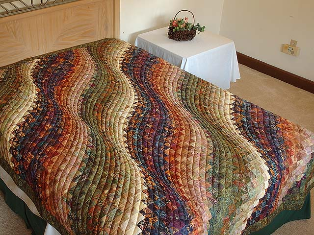 Twin-size Hand Painted Bargello Wave Quilt Photo 1