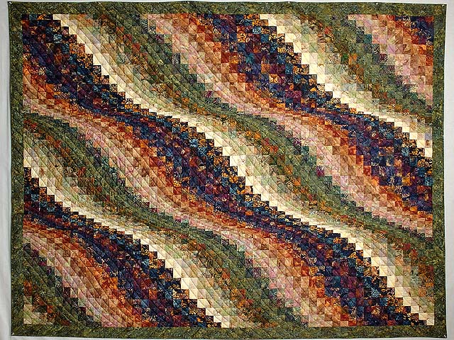 Twin-size Hand Painted Bargello Wave Quilt Photo 2