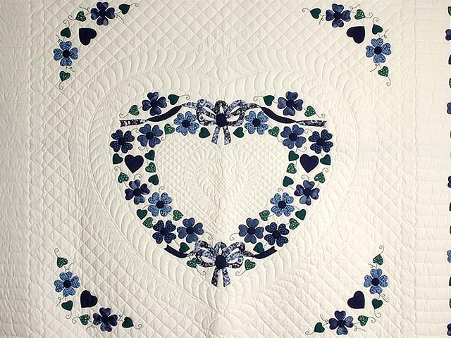 Navy and Blue Heart Bouquet Quilt Photo 3