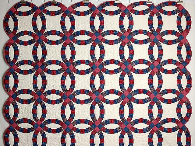 Rose & Blue Double Wedding Ring Quilt Photo 2