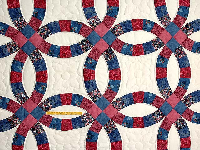 Rose & Blue Double Wedding Ring Quilt Photo 4