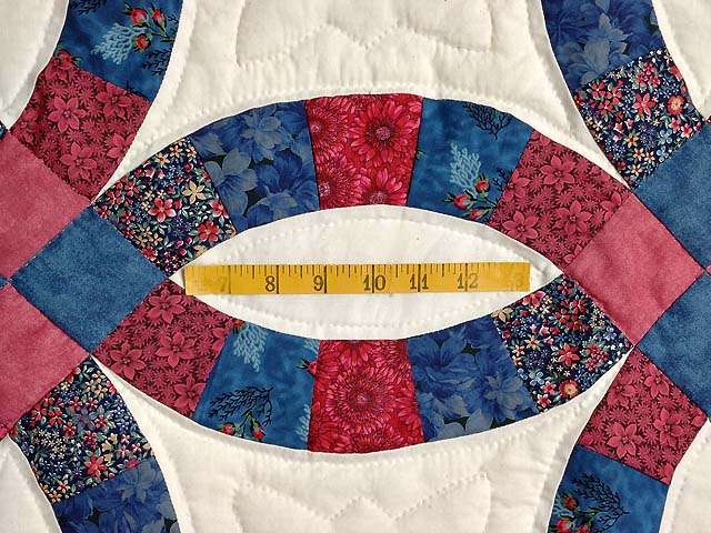 Rose & Blue Double Wedding Ring Quilt Photo 5
