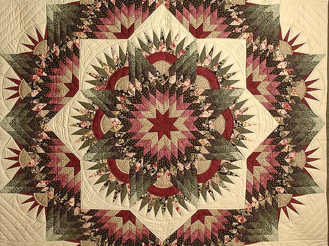 Rose Green and Beige Compass Star Quilt Photo 3