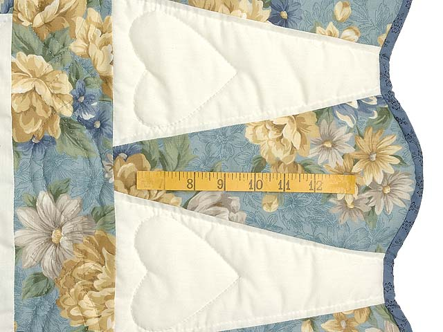 Blue Gold and Cream Dahlia Star Quilt Photo 6