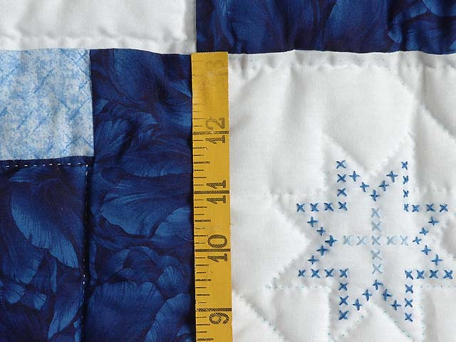 Blue and Ivory Log Cabin Cross Stitch Quilt Photo 5