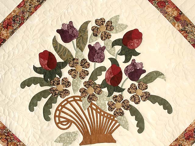 King Rose Plum and Gold Victorian Basket Quilt Photo 4