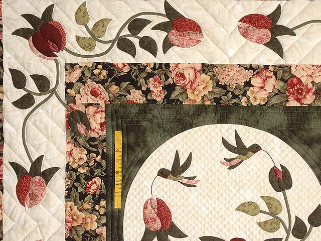 Dark Green and Rose I Promised You a Rose Garden Quilt Photo 5