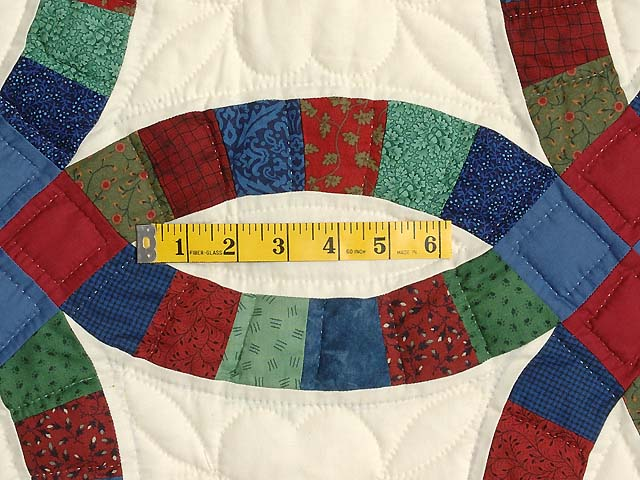 Extra Fine Multicolor Double Wedding Ring Quilt Photo 5