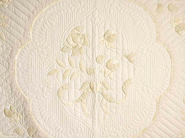 King Ivory and Maize Lancaster Treasures Quilt Photo 4