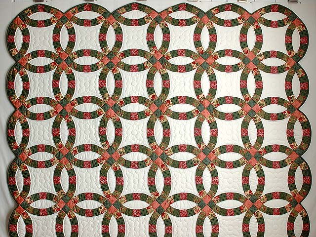 Green and Coral Double Wedding Ring Quilt Photo 2
