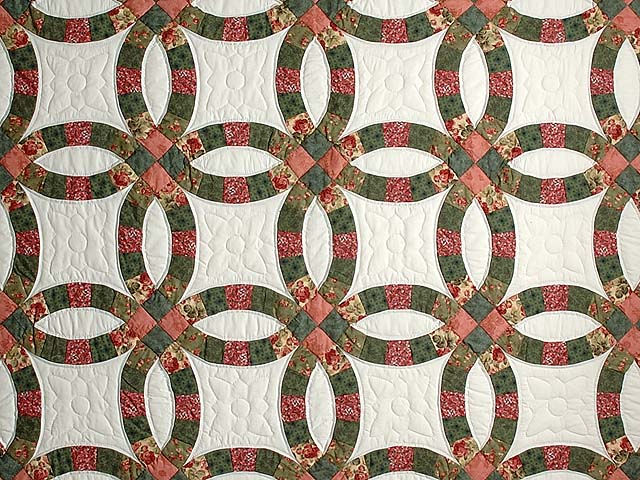Green and Coral Double Wedding Ring Quilt Photo 3
