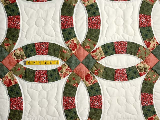 Green and Coral Double Wedding Ring Quilt Photo 4
