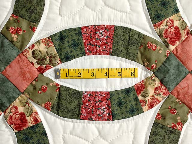Green and Coral Double Wedding Ring Quilt Photo 5