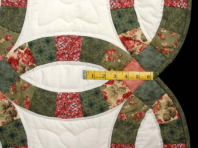 Green and Coral Double Wedding Ring Quilt Photo 7