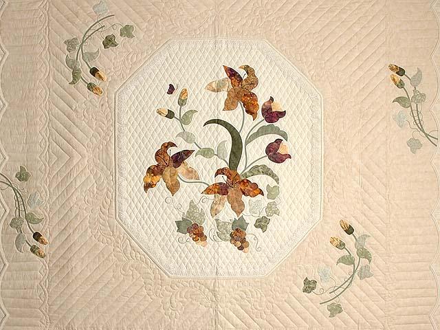 Neutrals and Autumn Gold Petal Showcase Quilt Photo 3