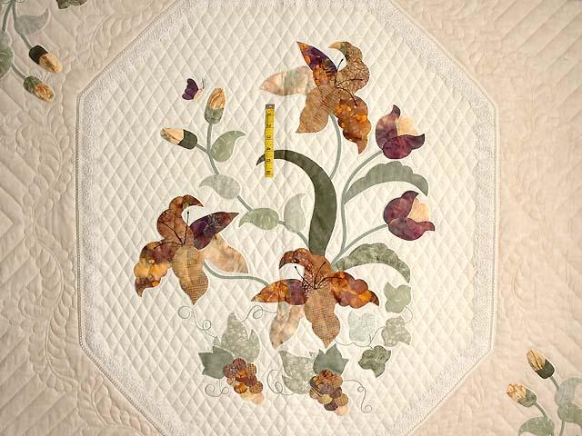 Neutrals and Autumn Gold Petal Showcase Quilt Photo 4