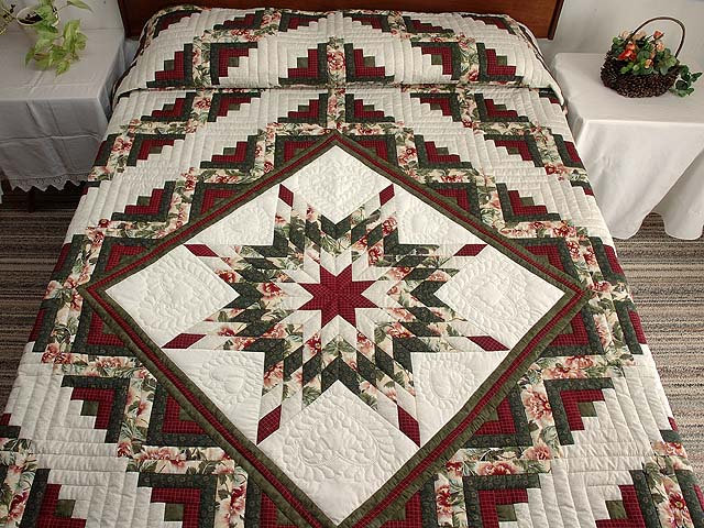 Green and Red Lone Star Log Cabin Quilt Photo 1