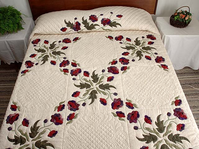 Mauve and Burgundy Poppy Fields Quilt Photo 1