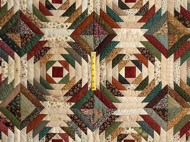 Green Burgundy and Tan Pineapple Quilt Photo 4