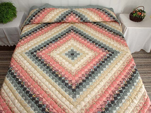Rosy Pink and Aqua Trip Around the World Quilt Photo 1