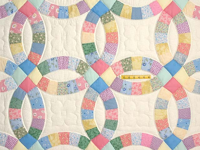 Pastel Double Wedding Ring Quilt Photo 4