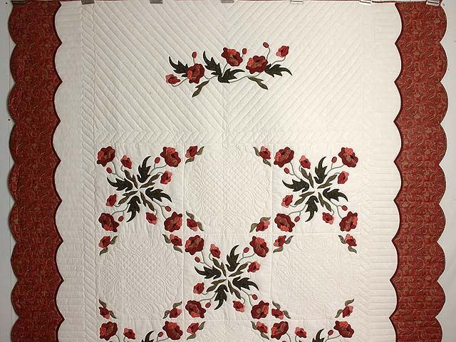 Paisley Red and Green Poppy Fields Quilt Photo 2