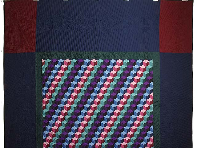 Amish Tumbling Blocks Quilts Photo 2
