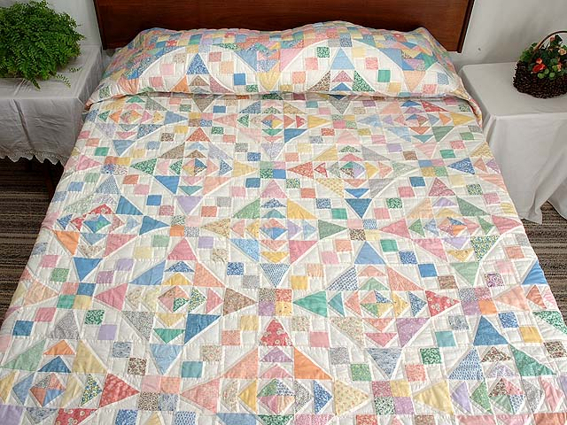 King Pastel Faceted Jewel Quilt