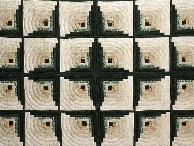 Dark Green Tan and Beige Monticello Log Cabin Quilt Photo 3