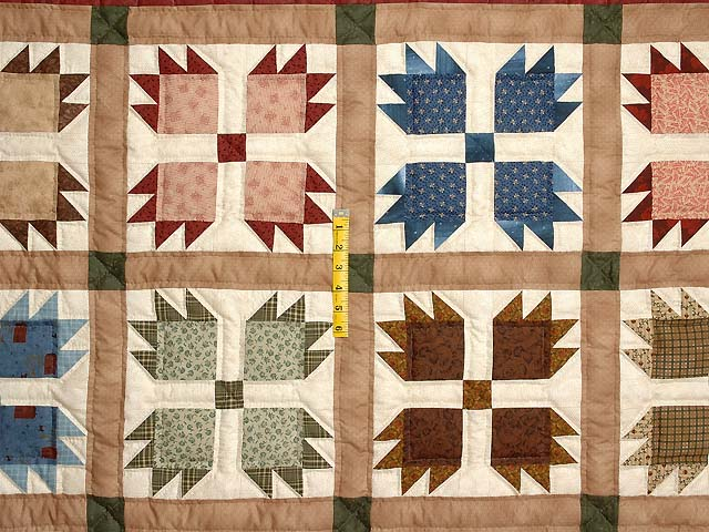 Green Burgundy and Multicolor Bears Paw Quilt Photo 4