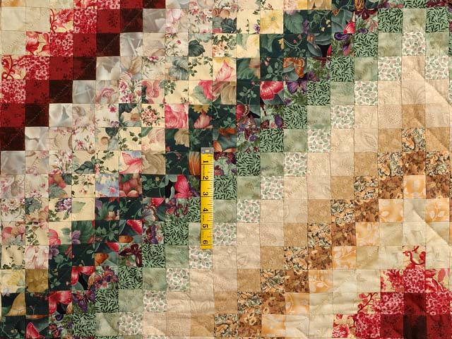 King Green Burgundy and Gold Color Splash Quilt Photo 4