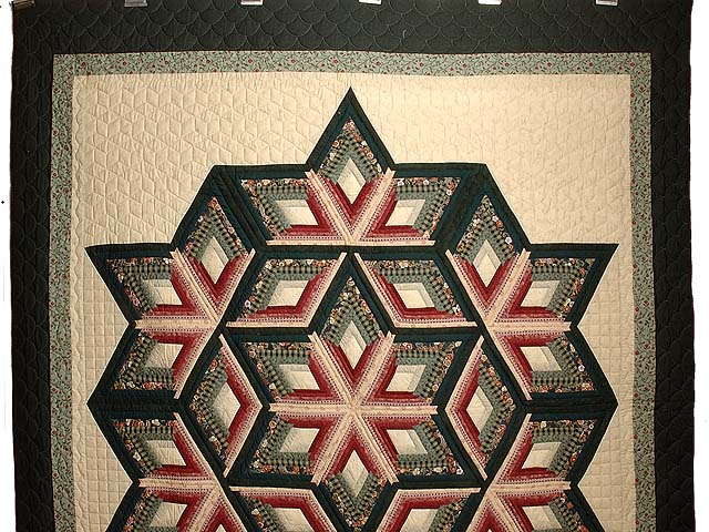 Green and Burgundy Diamond Star Log Cabin Quilt Photo 2