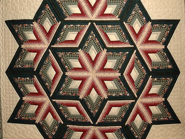 Green and Burgundy Diamond Star Log Cabin Quilt Photo 3