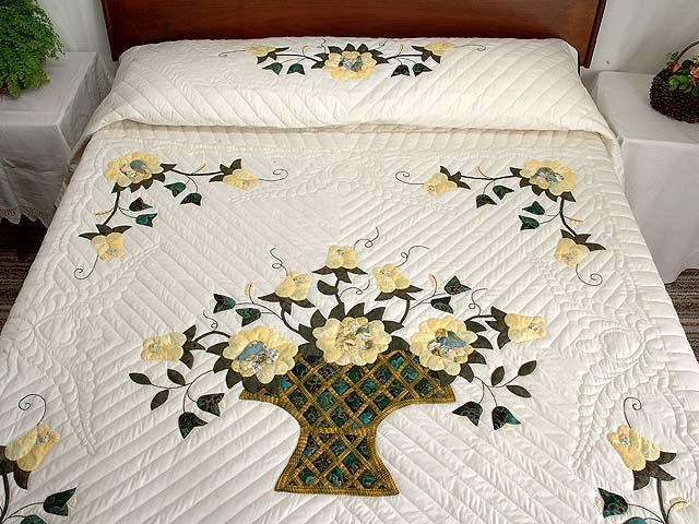 Yellow Rose of Texas Flower Basket Quilt Photo 1