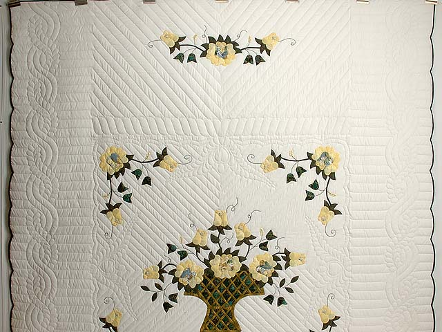 Yellow Rose of Texas Flower Basket Quilt Photo 2