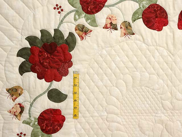 King Red Moss and Gold Heart of Roses Quilt Photo 4