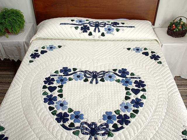 Navy and Blue Heart Bouquet Quilt Photo 1