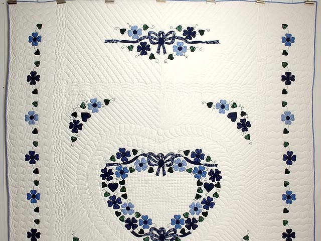 Navy and Blue Heart Bouquet Quilt Photo 2