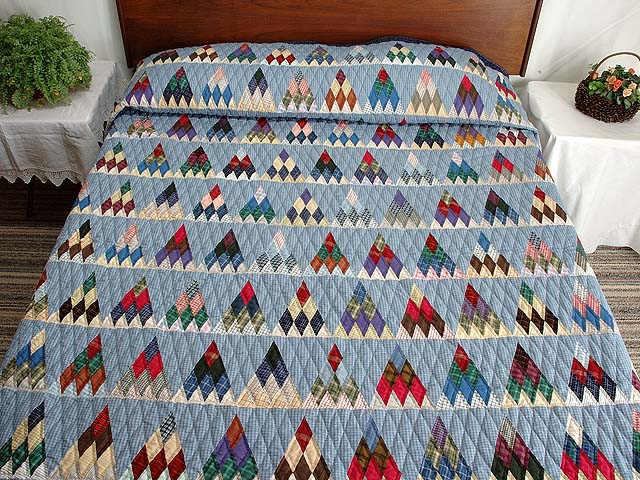 Plaid Navy Blue and Multi Thousand Pyramids Quilt Photo 1
