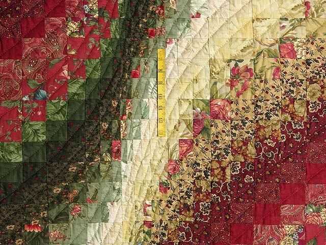 Green Paprika and Ivory Bargello Wave Quilt Photo 4