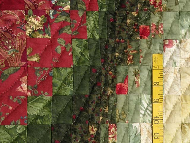 Green Paprika and Ivory Bargello Wave Quilt Photo 5