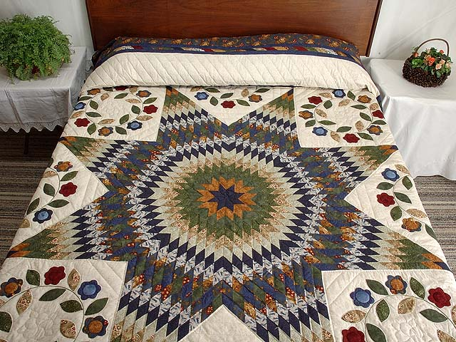 Navy and Multicolor Extra Fine Lone Star Wreath Quilt Photo 1