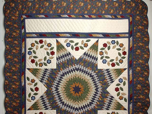 Navy and Multicolor Extra Fine Lone Star Wreath Quilt Photo 2