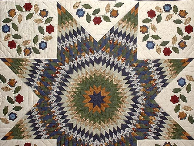 Navy and Multicolor Extra Fine Lone Star Wreath Quilt Photo 3