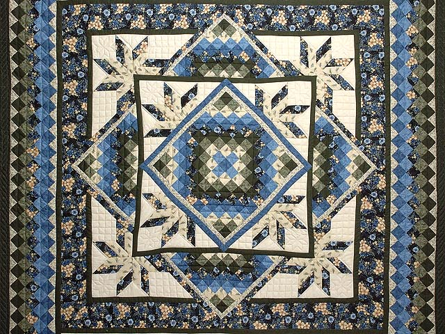 Blue Cream and Dark Green Commons Star Medallion Quilt Photo 3